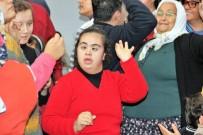 YILBAŞI PARTİSİ - Engelli Öğrencilerin Ritim Şovu Profesyonellere Taş Çıkarttı