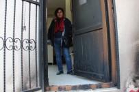 MAHALLE MUHTARLIĞI - Manisa'da Muhtarlık Binasını Yaktılar