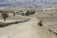 ONARIM ÇALIŞMASI - Selendi Yolları Bakıma Alındı