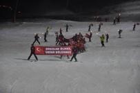 SİVAS VALİSİ - Yıldız Dağı'nda Şehitler Anısına Meşaleli Kayak Gösterisi