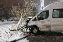 MUSTAFA YıLDıRıM - Elazığ'da Kar Yağışı İle Birlikte Kazalar Meydana Geldi
