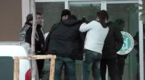 BIBER GAZı - Konya'da Komşu Kavgası Açıklaması 1'İ Polis 7 Yaralı