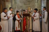 MUSTAFA YAMAN - Noel Ayininde Şehitler İçin Dua Okundu
