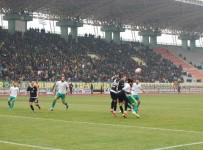 BATUHAN KARADENIZ - Şanlıurfaspor Manisaspor'u 2 Golle Geçti