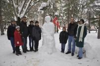 Yaptığı Kardan 'Mehmetçik' İlgi Görüyor