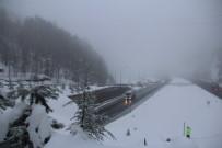 BOLU DAĞı - Bolu Dağı'nda Kar Yağışı Başladı