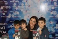 HANDE FIRAT - Hande Fırat, Nata Vega'da Kitabını İmzaladı