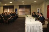 LÜTFI EFIL - İzmit Ve Derince Muhtarlarıyla İstişare Toplantısı Yapıldı