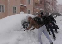 Karaman'a 66 yıldır görülmemiş kar yağdı