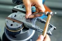 SAVUNMA SANAYİ - 'Sektöre En Büyük Darbeyi Kaçak Silah İmalatçıları Vuruyor'