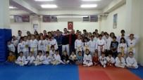 ERARSLAN - Taekwondo' Da Kepez Çaylıoğluspor Fırtınası Esti