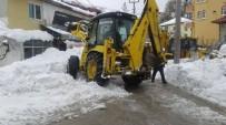 YAYA TRAFİĞİ - Toroslar'da Kardan Kapanan Yollar Açılıyor