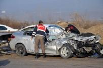 HATALI DÖNÜŞ - 13 Araç Birbirine Girdi Açıklaması 5 Yaralı