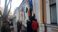 MOLDOVA - Cumhurbaşkanlığı Binasındaki AB Bayrağı Kaldırıldı