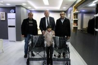 Duyarlı Esnaftan Tekerlekli Sandalye Bağışı