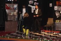 BILMECE - Elazığ'da 'Ölüm Öpücüğü' Tiyatro Oyunu Sahnelendi