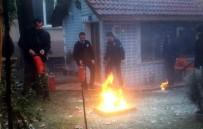 AFET BİLİNCİ - Gölbaşı İlçesinde Polisler Yangın Tatbikatı Yaptı