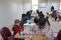 SATRANÇ FEDERASYONU - Muş'ta Satranç Turnuvası