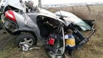 KıRıM - Otomobilde Sıkışan Sürücüyü İtfaiye Kurtardı