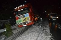 Pozantı Tem Otoyolu'nda Zincirleme Trafik Kazası Açıklaması 10 Yaralı