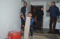 BUZDOLABı - Suriyeli Ailelere Yardım
