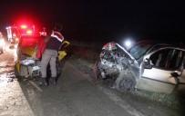 KıRıM - Taksi İle Ticari Araç Çarpıştı Açıklaması 7 Yaralı