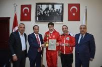 HASAN YıLDıZ - Başkan Toltar, Başarılı Sporcuyu Makamında Ağırladı