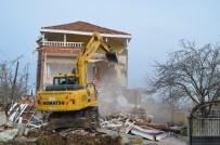 YIKIM ÇALIŞMALARI - Deltada Villaların Yıkımına Başlandı