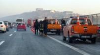 ERSİN ARSLAN - Gaziantep'te Gizli Buzlanma Kazaları Açıklaması 1 Ölü, 42 Yaralı