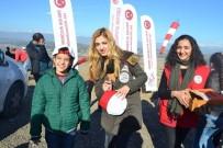 İŞİTME ENGELLİ - İşitme Engelli Çocuklar, Yamaç Paraşütü İle Gökyüzüyle Buluştu