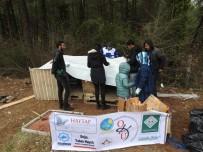 SOKAK KÖPEKLERİ - Osmaniye Belediyesi Ve OKÜ Öğrenci Kulüpleri, Sokak Köpeklerine Kulübe Yaptı