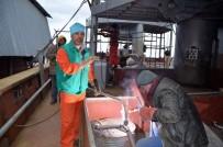 BALIKÇI TEKNESİ - Son Olarak İnşa Edilen Balıkçı Teknesi Denize İnmeye Hazırlanıyor