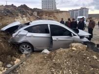 Takla Atan Araçtan Sürücü Yaralanmadan Çıktı