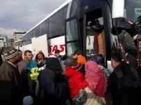 KERKÜK - Türkiye'ye sığınan Türkmenler Kilis'e sevk ediliyor