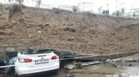CIKCILLI - Alanya'da İstinat Duvarı Çöktü