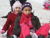 ERCAN TOPACA - Ankara'da okullara kar tatili