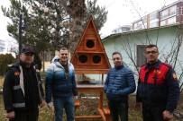 SOKAK KÖPEKLERİ - Bolu'Da Sokak Kedileri İçin 'Kedi Köşkleri' Yapıldı