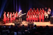 YILMAZ GÜNEY - Çocuklardan Muhteşem Yeni Yıl Konseri