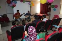 GAZİ YAŞARGİL - Diyarbakır'da Hasta Çocuklara Yeni Yıl Sürprizi