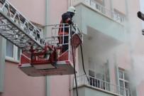 PATLAMA SESİ - Elazığ'da Yangın Kısa Sürede Söndürüldü