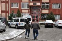 CİNAYET ZANLISI - İzmir'de Kadın Cinayeti