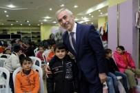 KAĞITHANE BELEDİYESİ - Kağıthane Belediyesi Halepli Çocukların Yüzünü Güldürdü