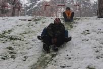 SıNıF ÖĞRETMENLIĞI - Kar Öğrencilere Eğlence Oldu