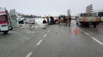 Samsun'da Otomobil İle Öğrenci Servis Minibüsü Çarpıştı Açıklaması 13 Yaralı