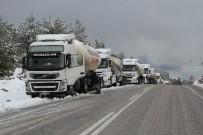 TIR ŞOFÖRÜ - Seydikemer'de Kar Yağışı Hayatı Olumsuz Etkiledi