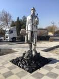 MADENCILER GÜNÜ - Büyükşehir'den Çayırhan'a Madenci Heykeli
