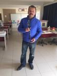 ÖZGÜR ÖZDEMİR - Fizik Öğretmeni, 'Yarasa Baston' Projesini Geliştirdi