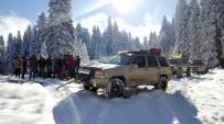 YAĞAN - Karda Mahsur Kalan 3 Kişi KARDOOF Tarafından Kurtarıldı