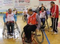 KEREM SÜLEYMAN YÜKSEL - Niğde Protokolü Tekerlekli Sandalye İle Maç Yaptı
