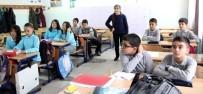 EĞİTİM SİSTEMİ - Doğuştan Görme Engelli Aygül Öğretmenin Azmi